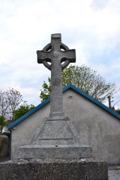 Gainsborough Memorial Cross